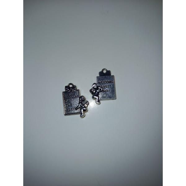 Deux breloques , médailles pour la venue du bébé, ange - Photo n°1