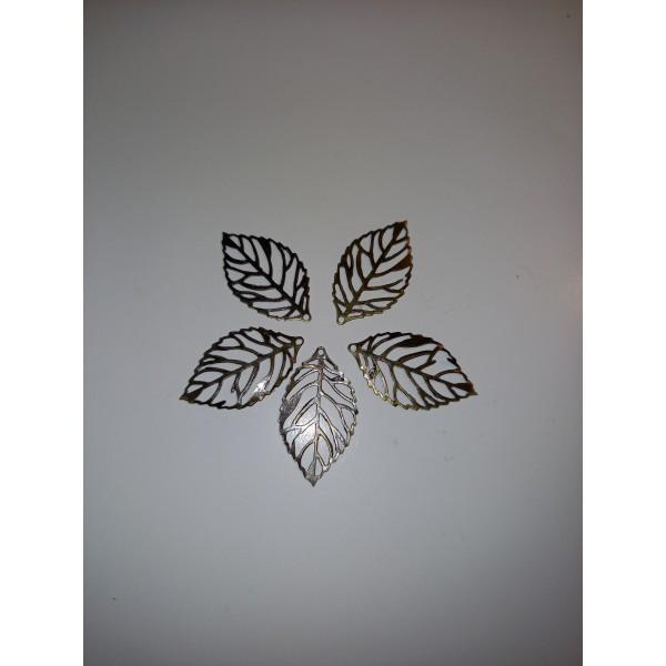 Cinq squelettes de feuilles en breloques, en bronze - Photo n°1