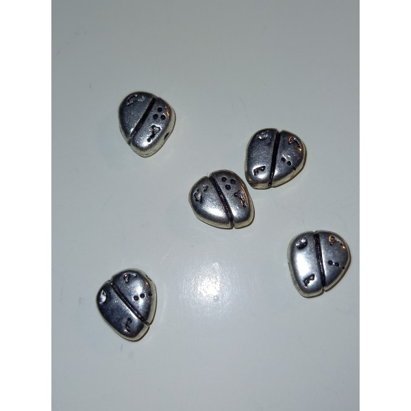 Cinq coeurs modernes en métal blanc, 1 cm - Photo n°1