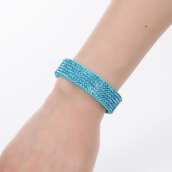 Bracelet suédine réglable bleu et strass brillant - Photo n°3