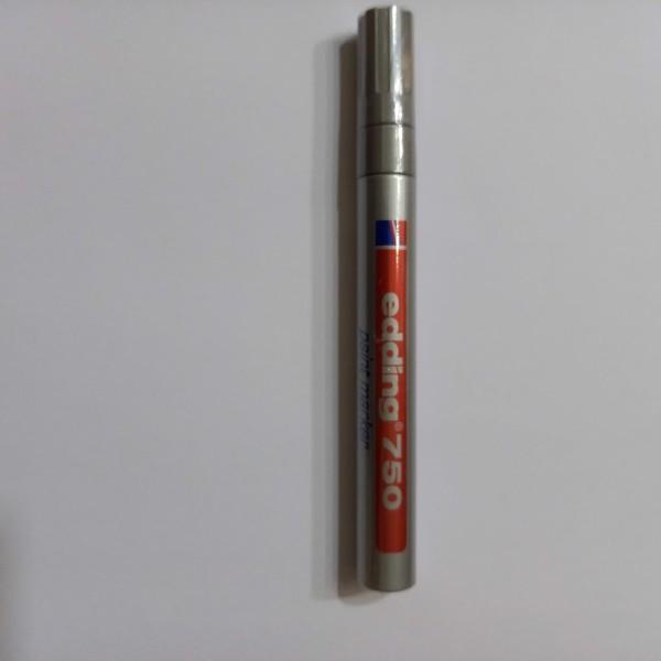 Feutre de peinture à l'huile or, pointe medium, 1.8-2.2  mm - Photo n°1