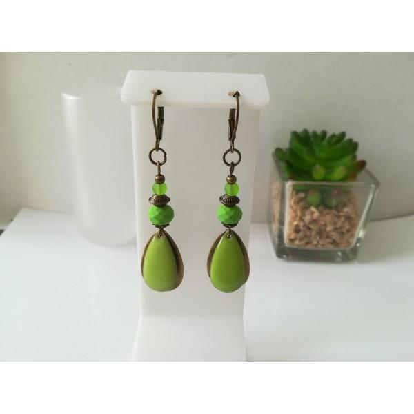 Kit boucles d'oreilles goutte bronze et perles en verre à facette verte - Photo n°1