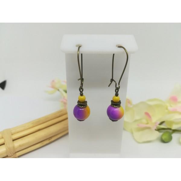 Kit boucles d'oreilles apprêts bronzes et perles en verre jaune violet - Photo n°1