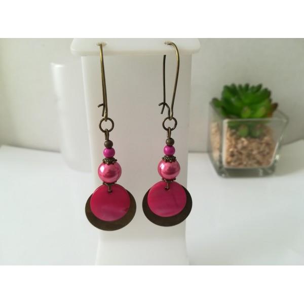 Kit de boucles d'oreilles apprêts bronze et perles en verre fuchsia - Photo n°1