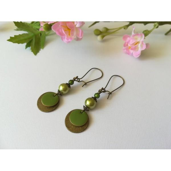 Kit de boucles d'oreilles apprêts bronze et sequin émail vert - Photo n°2
