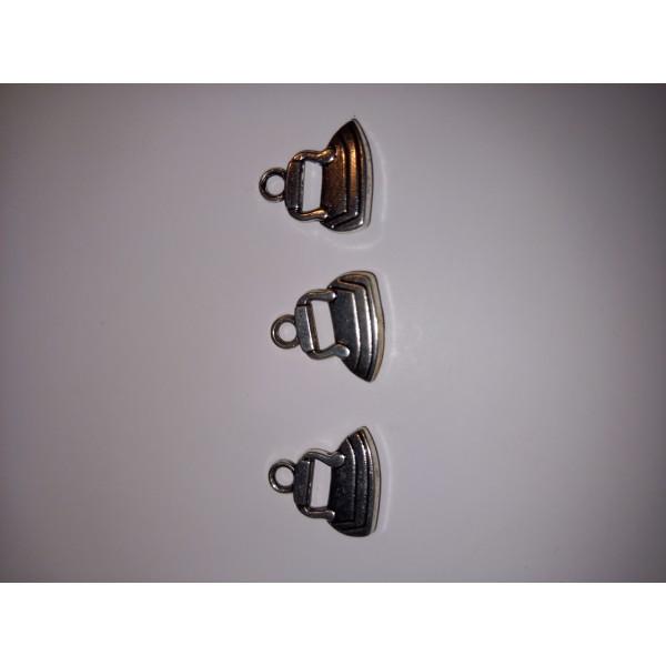 Breloque 3 fers à repasser en métal blanc 1,5 cm - Photo n°1