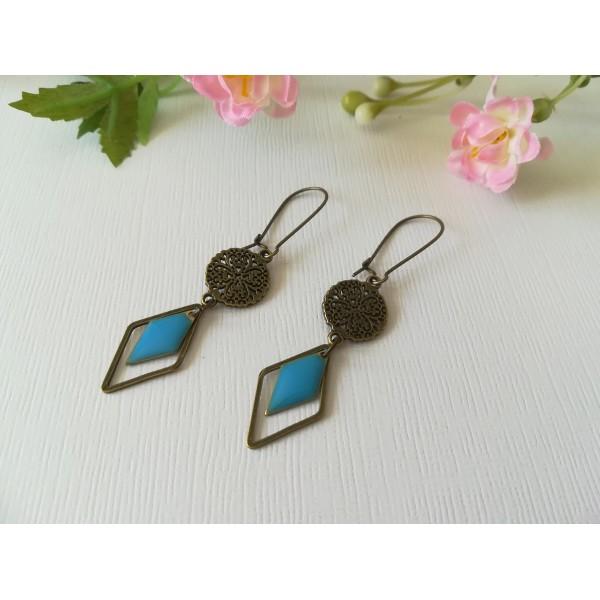 Kit de boucles d'oreilles apprêts bronze et sequin émail bleu losange - Photo n°2