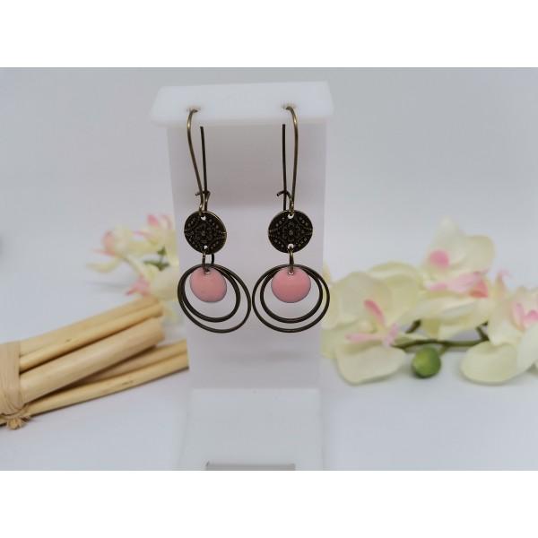 Kit boucles d'oreilles anneaux bronze et sequin émail rose - Photo n°1