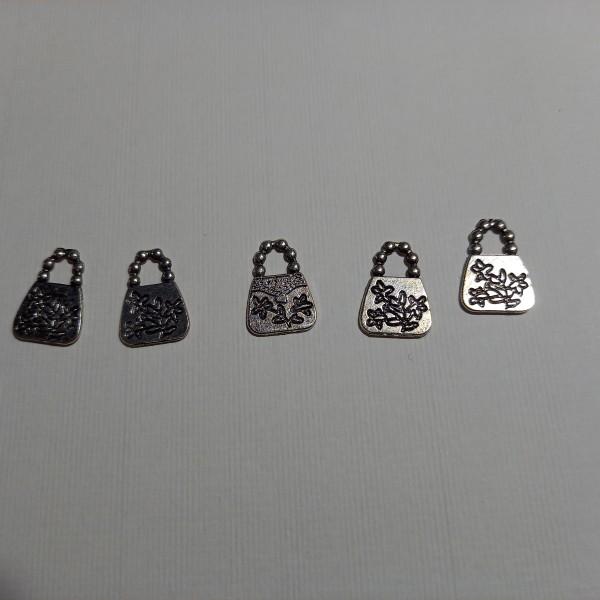 Breloque, cinq sacs à main  sur  votre poignée ....1.50 cm en métal blanc - Photo n°1