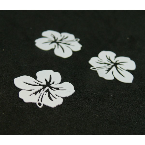 AE11556 Lot de 4 Estampes pendentif filigrane Fleur d' Hibiscus 20 mm Blanc - Photo n°1