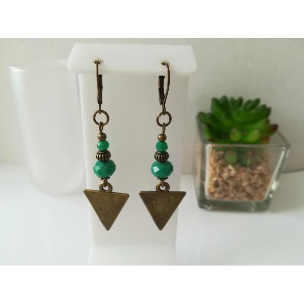 Kit boucles d'oreilles apprêts  bronze et perles en verre à facette verte - Photo n°1