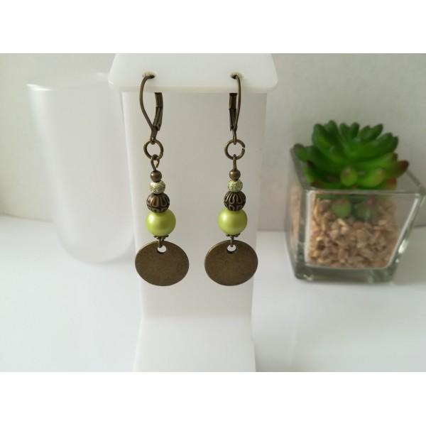 Kit boucles d'oreilles apprêts bronze et perles en verre ronde vert anis - Photo n°1