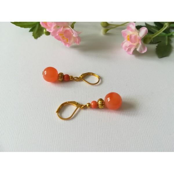 Kit boucles d'oreilles apprêts dorés et perles en verre orange corail - Photo n°2