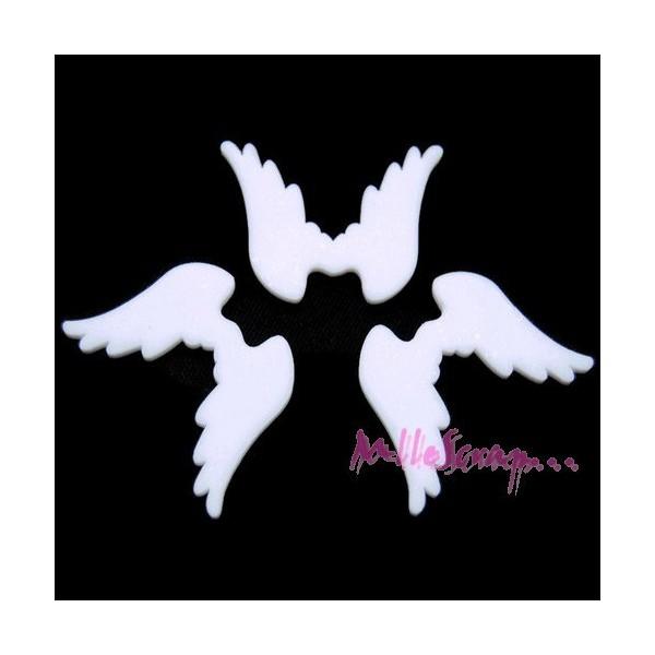 Cabochons petites ailes résine blanc - 3 pièces - Photo n°1