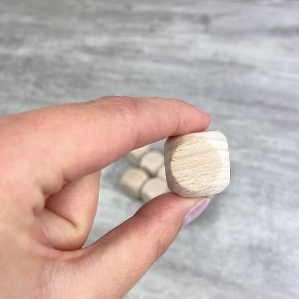 Lot de 10 Cubes en bois de hêtre, non traité, non teinté, de 20 mm, à customiser - Photo n°3