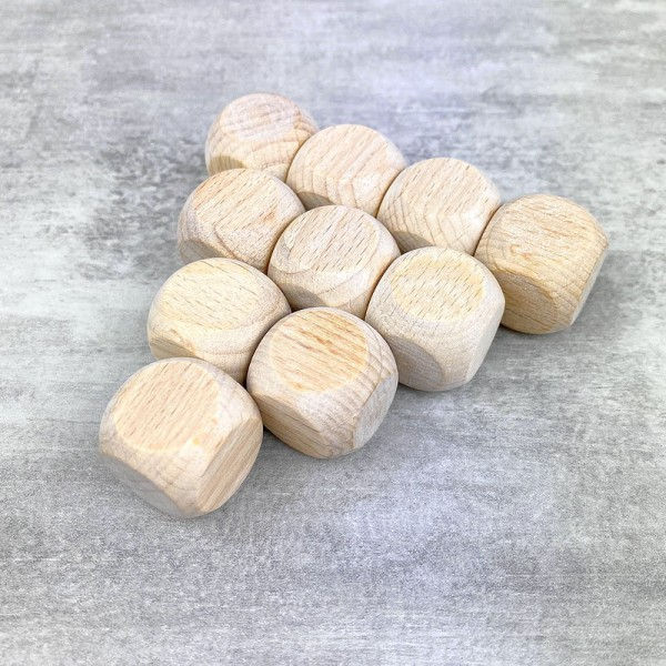 Lot de 10 Cubes en bois de hêtre, non traité, non teinté, de 20 mm, à customiser - Photo n°1