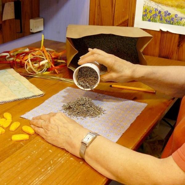 Fleurs de lavande séchées, sachet 100 gr, idéal pour le rembourrage ou à lancer - Photo n°3