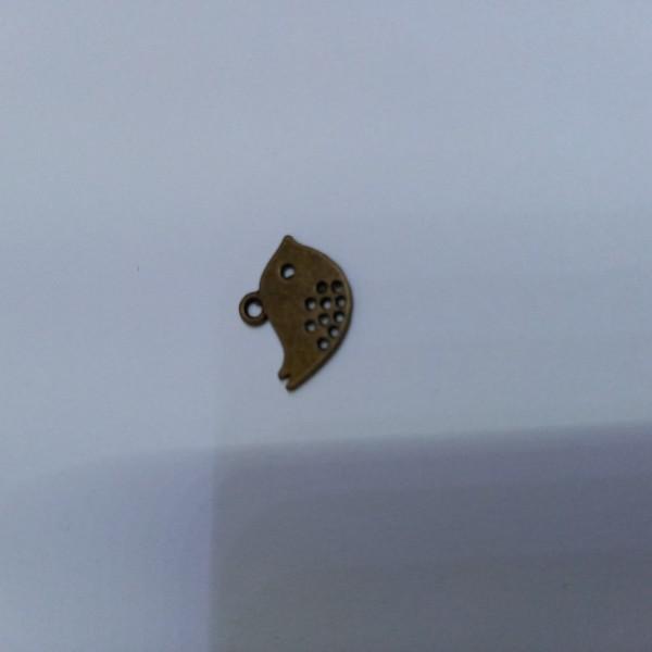 Breloque, Un petit oiseau en  bronze - Photo n°1