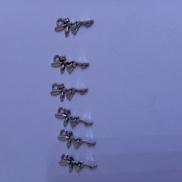 Breloque, 6 petites fées Clochette métal blanc - Photo n°1