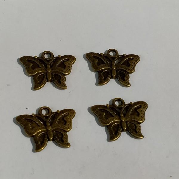 4 Breloque en forme de papillon - Photo n°1
