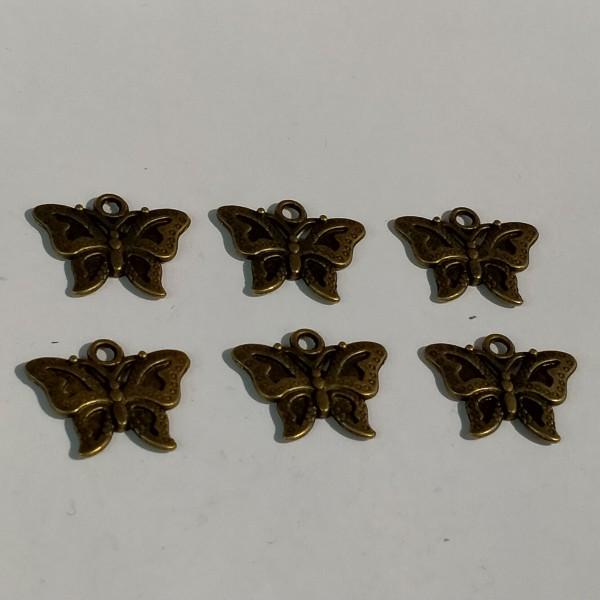 6 Breloque en forme de papillon - Photo n°1