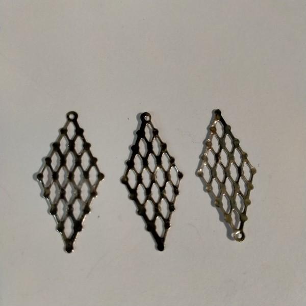 Breloque, losange ajouré 3cm en métal blanc - Photo n°1