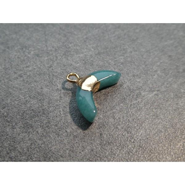 1 Pendentif forme demi-lune 16*12mm en Jade verte et laiton doré - Photo n°2