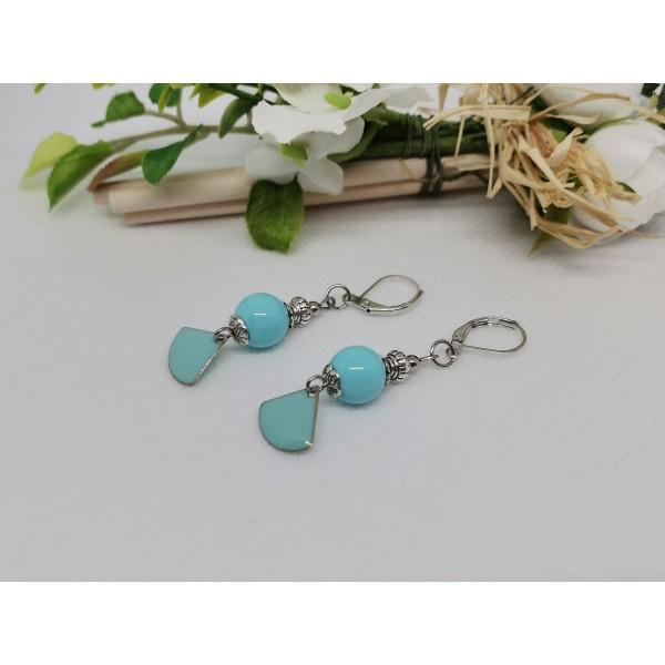 Kit boucles d'oreilles sequin émail et perles en verre bleu ciel - Photo n°2