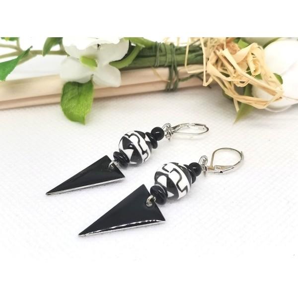 Kit boucles d'oreilles perles en verre et pendentif émail noir - Photo n°2