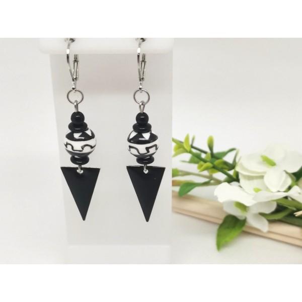 Kit boucles d'oreilles perles en verre et pendentif émail noir - Photo n°1