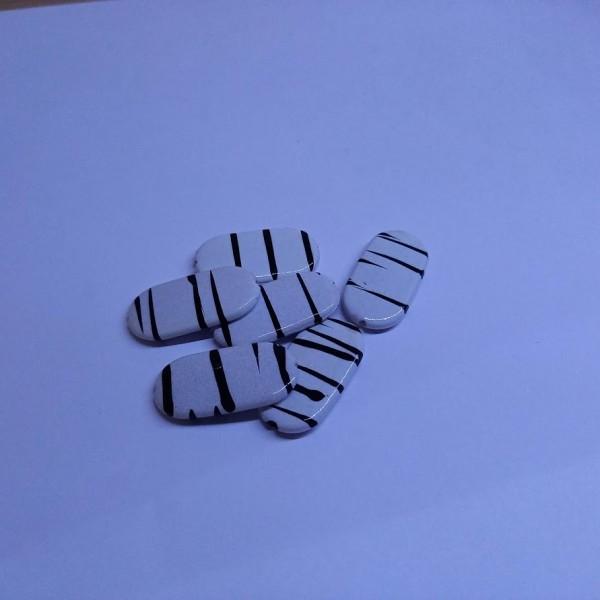 Six perles à rayures noire - Photo n°1