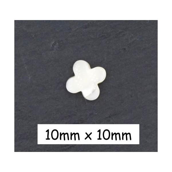 4 Perles Fleur En Nacre, Croix De Couleur Ivoire Nacré 10mm - Photo n°1