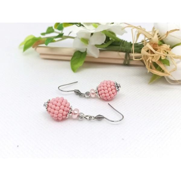 Kit boucles d'oreilles perles roses et apprêts argent mat - Photo n°2