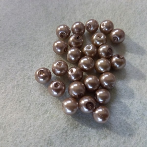 Vingt cinq perles bronze nacré en résine, 5mm - Photo n°1