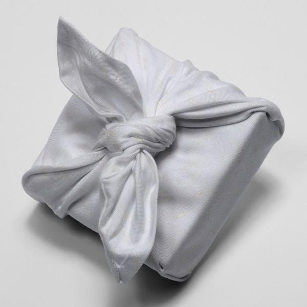 Tissu Gaze de coton Transformation Rico Design - Gris Bleuté détails dorés - Vendu par 10 cm - Photo n°4