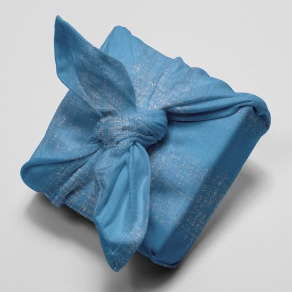 Tissu Gaze de coton Transformation Rico Design - Bleu Azur détails dorés - Vendu par 10 cm - Photo n°4