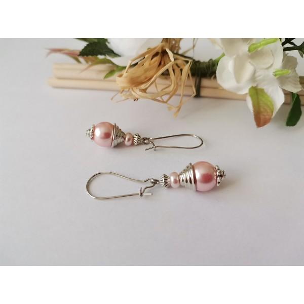 Kit de boucles d'oreilles apprêts argent mat et perle en verre rose - Photo n°2