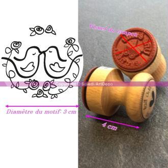 Tampon diam. 3cm, Couple de Colombes, Manche en bois, Longueur 4cm
