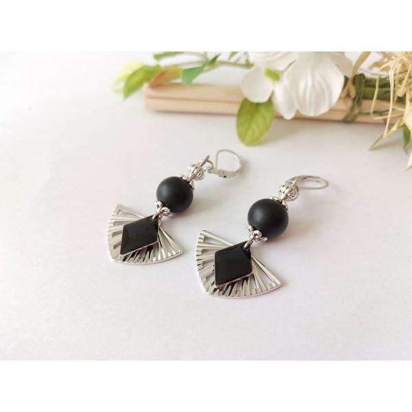 Kit boucles d'oreilles pendentif éventail et perles noires - Photo n°2