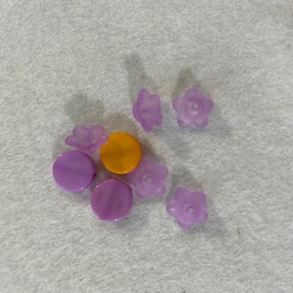 Perles en plastique ronde et en forme de fleure violet et orange - Photo n°1