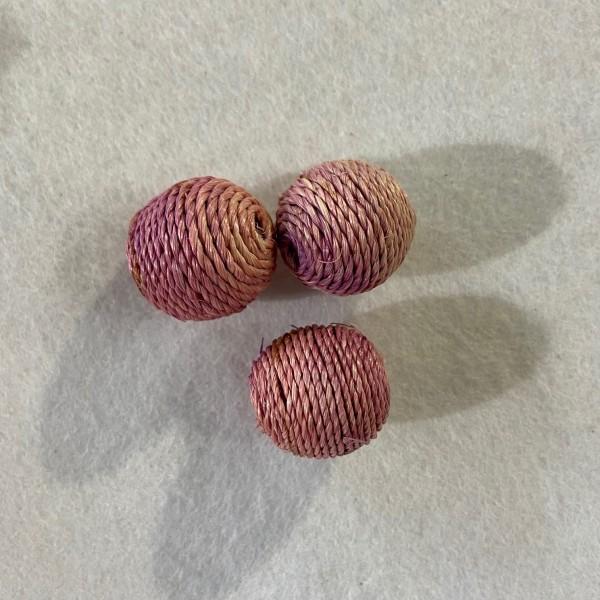 Trois perles a crocheté ronde lilas - Photo n°1