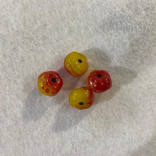 Quartes perles en résine jaune et rouge - Photo n°1