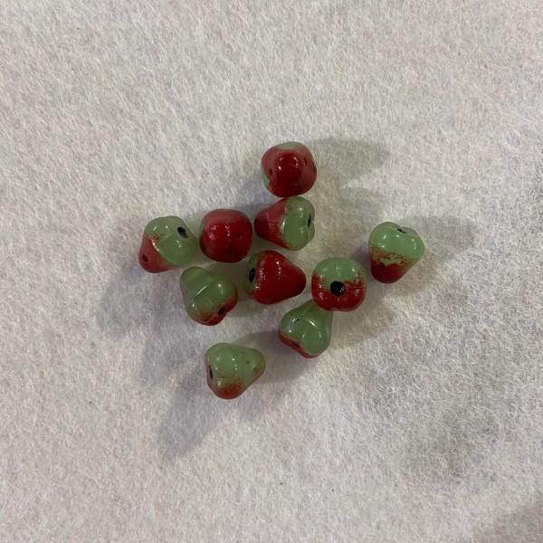 Dix poires Vert et Rouge en Verre - Photo n°1