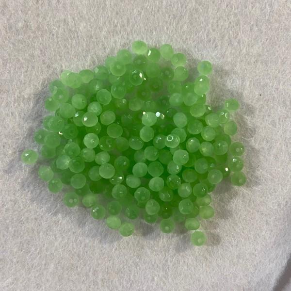 Perles en résine vert claire mat - Photo n°1