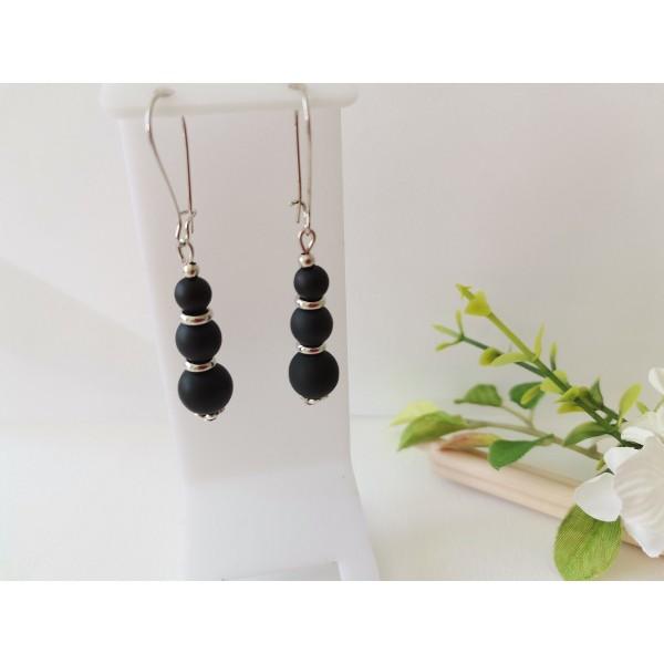Kit boucles d'oreilles apprêts argent mat et perles en verre noire - Photo n°1