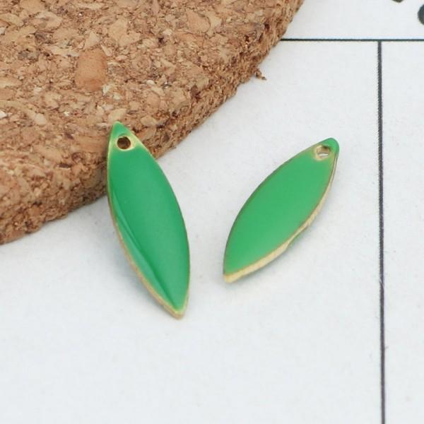 Breloque sequins émail navette 16 mm vert x 2 - Photo n°1