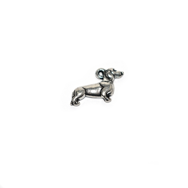 Breloque chien teckel 20x13mm argenté - Photo n°1
