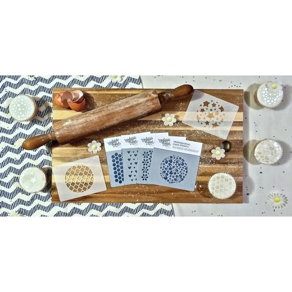 Pochoir pour pâtisseries et chocolats -  motif sapins - Photo n°2